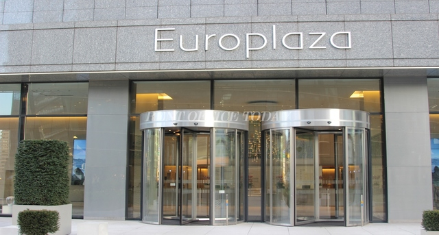 location de bureau tour europlaza-4