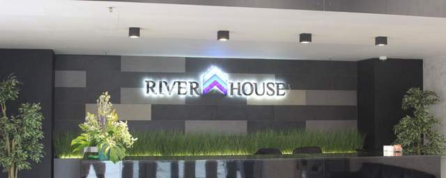 office rent river house-6