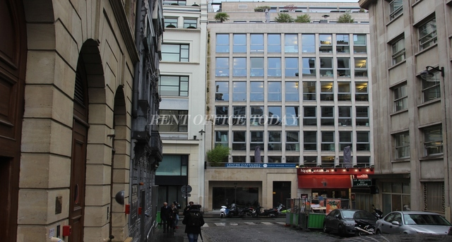 office rent 20 rue quentin-bauchart-2