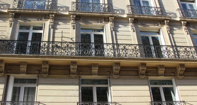 office rent 27 rue marbeuf-1
