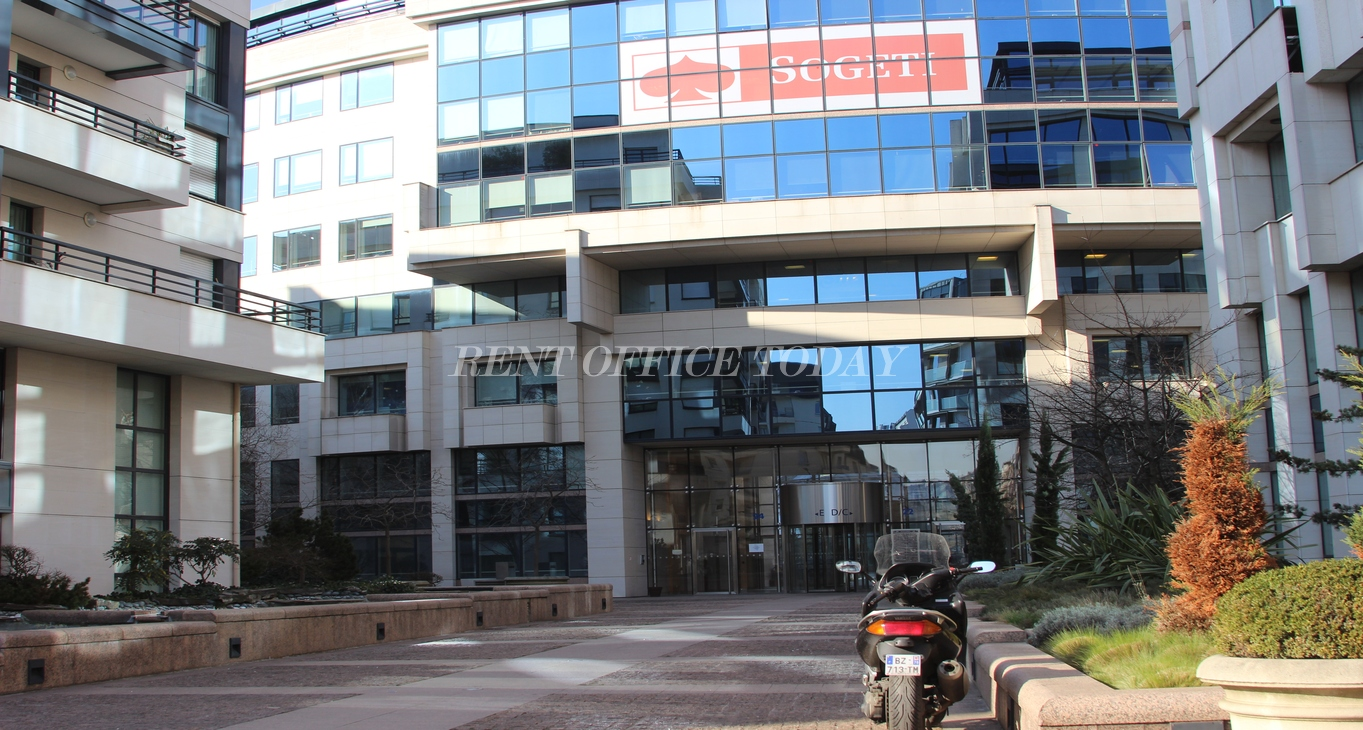 office rent colisee marceau-5