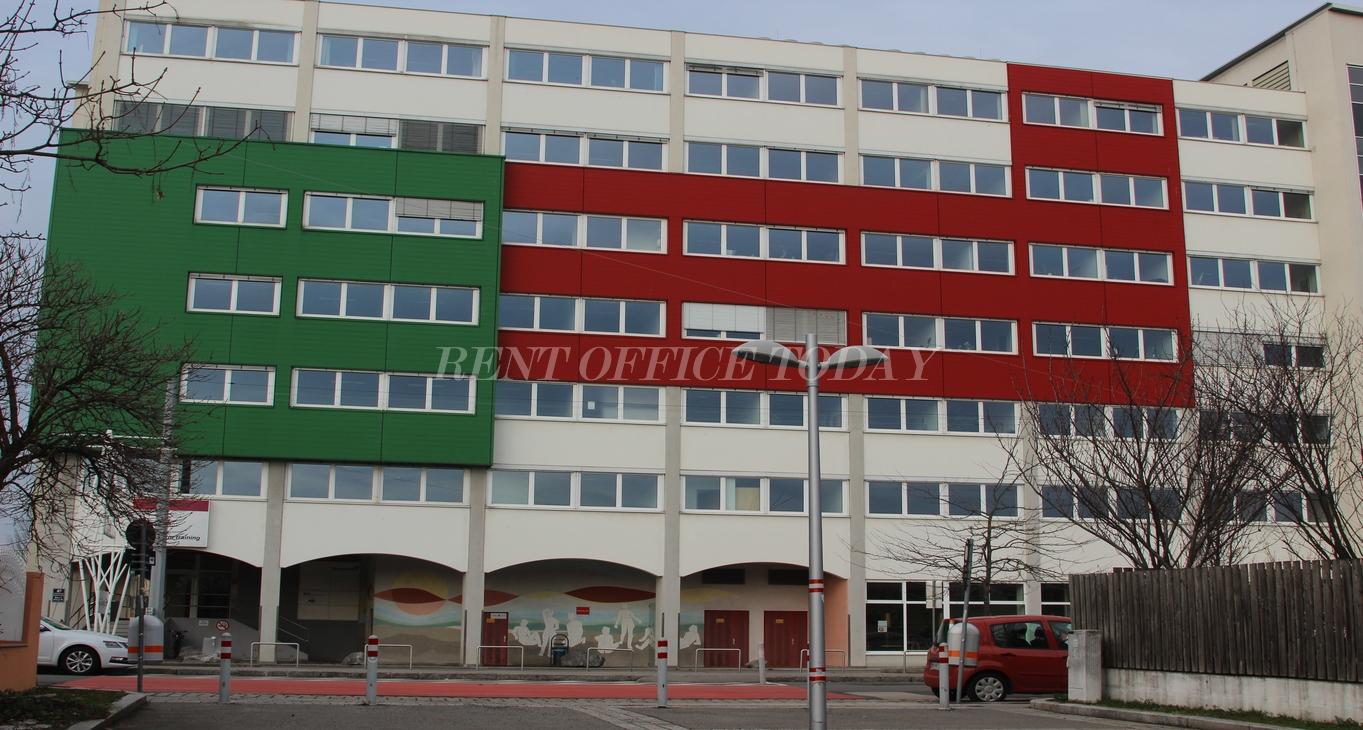 office rent u6 center siebenhirten-1