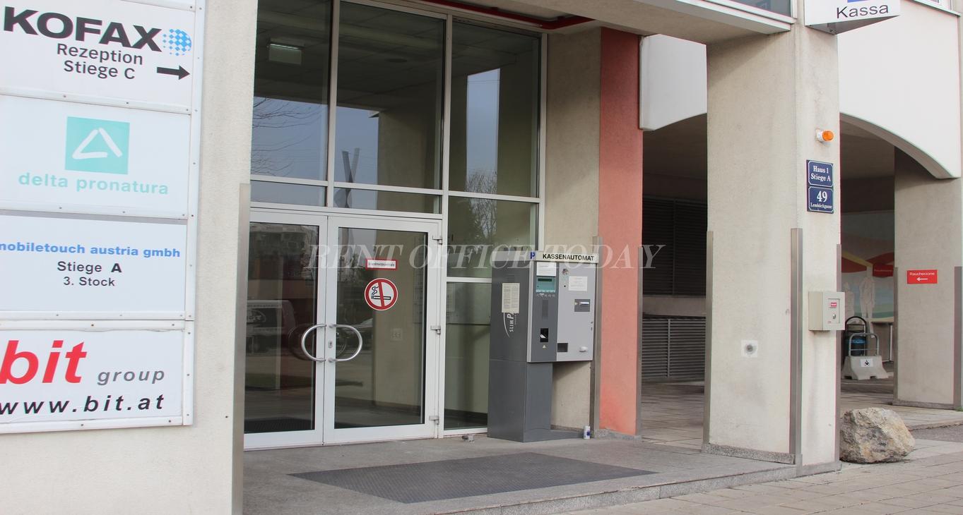 office rent u6 center siebenhirten-5