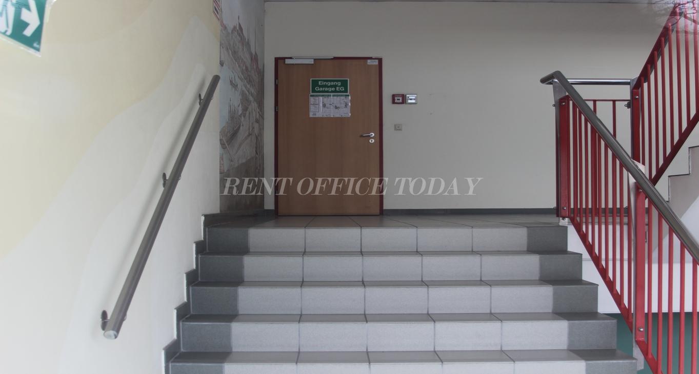 office rent u6 center siebenhirten-8