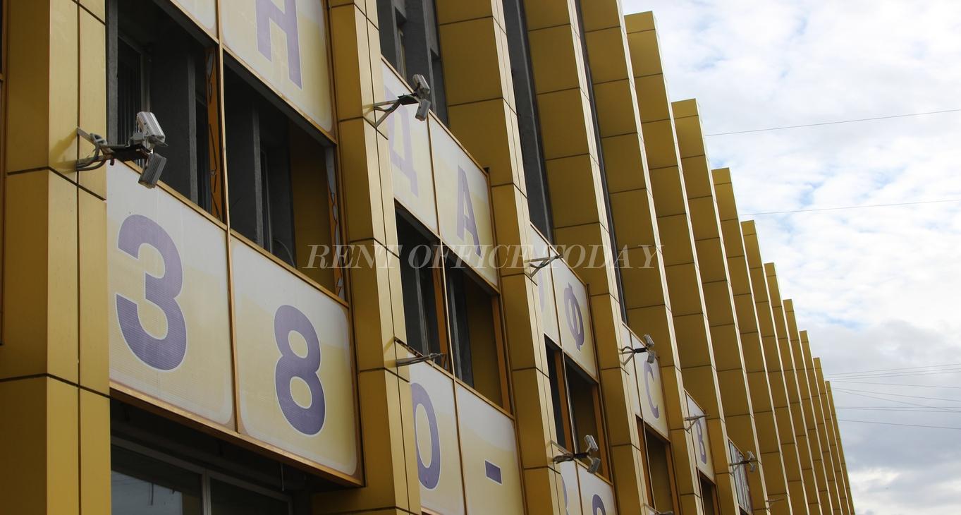 бизнес центр желтый угол-5