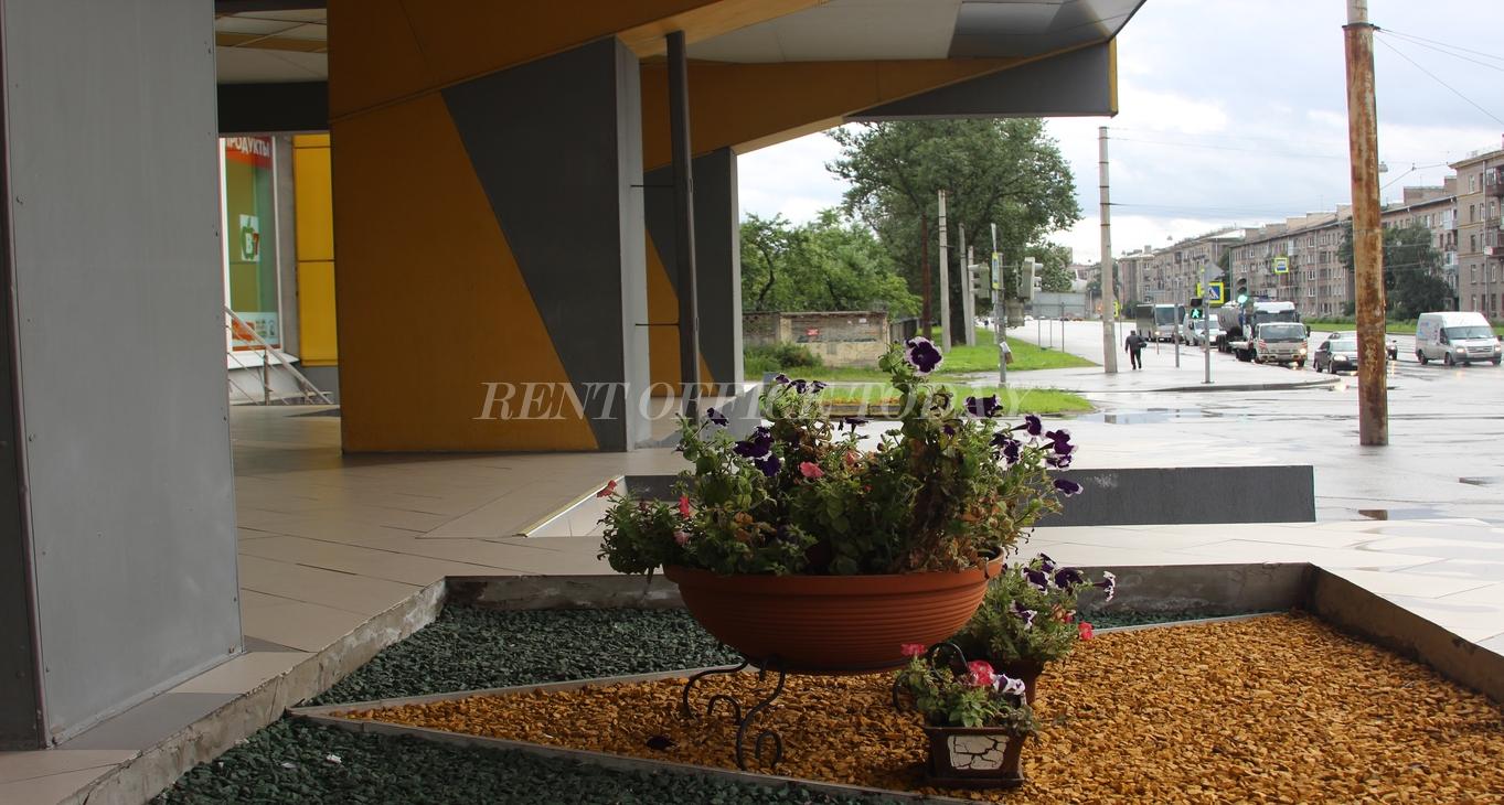 бизнес центр желтый угол-10